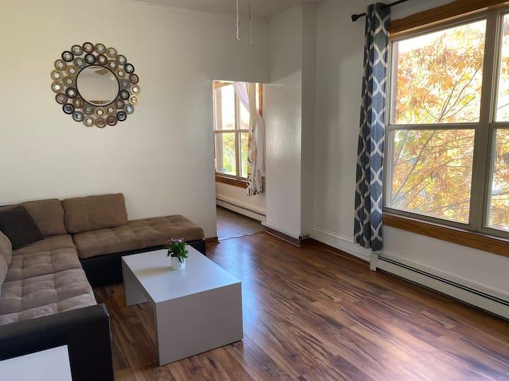 Beautiful 2 Bedroom $7 Uber to Excel