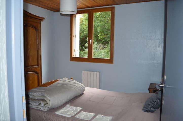 Chambre 3 avec lit 140*190