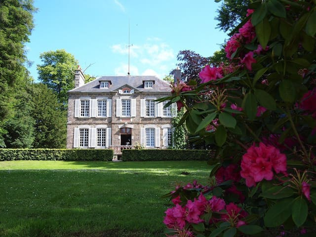 Normandy - Luxury country House - petit château