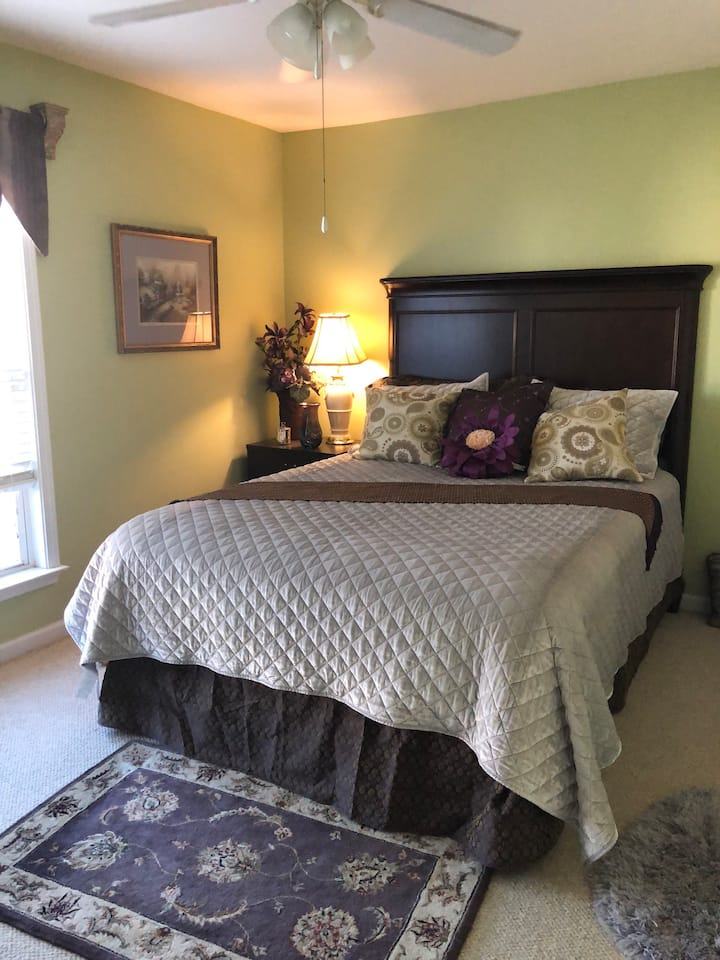 Modest, Relaxing Home in Beautiful Woodlands GA.