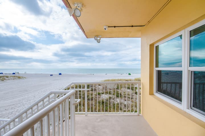 Direct Beach Second Floor - Updated & Only Steps to Beach - Great Beach Views - Free WiFi - Surf Song - #222 Surf Song Resort