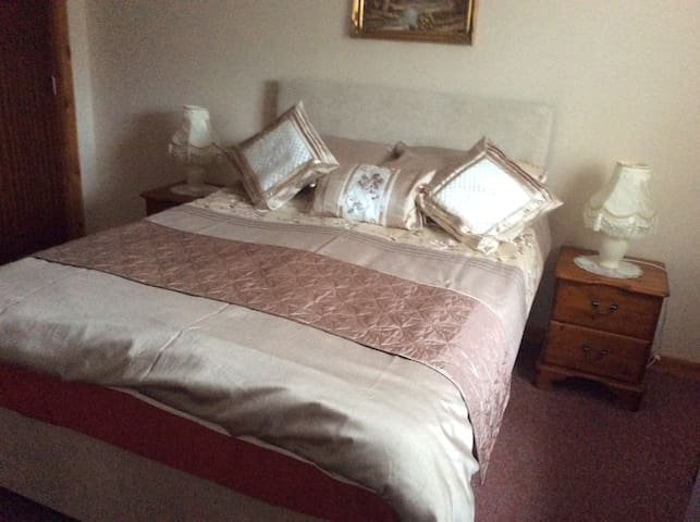19 Seaforth Road bedroom 1