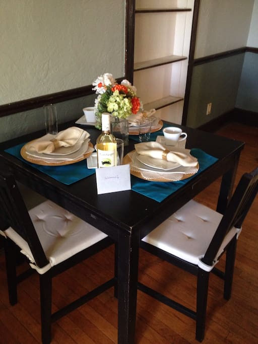 Formally outfitted dining table