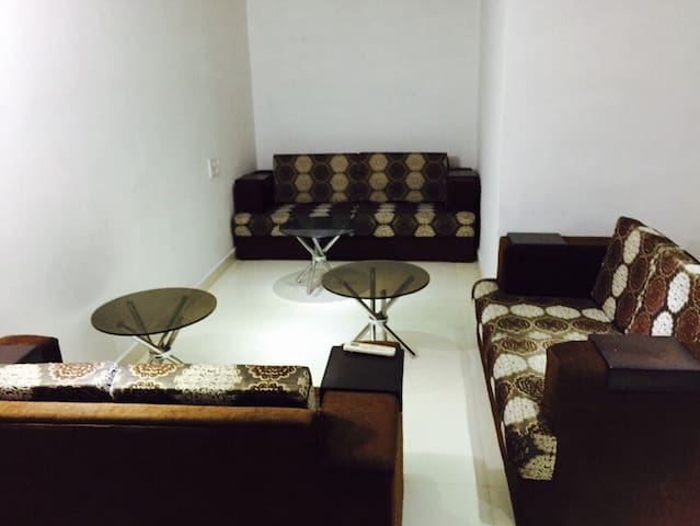 Highway-3Room Mansion With Terrace - Chandigarh - Apartment