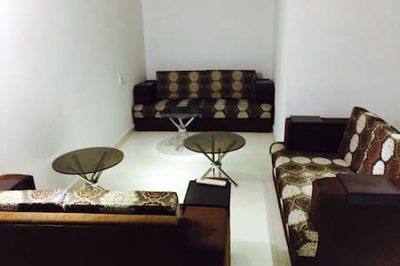 Highway-3Room Mansion With Terrace - Chandigarh - Lakás