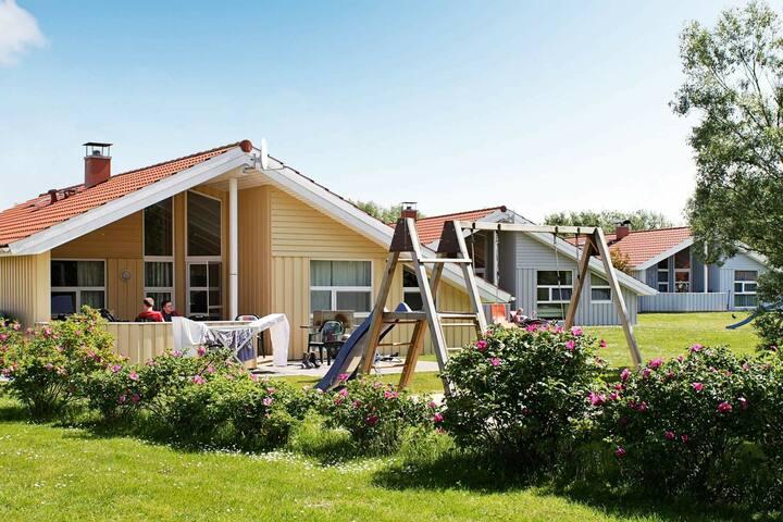 Beautiful 5 Star holiday home in Løgstør
