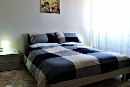 """Residenza Carlo di Borbone """"Room 1"""" - Caserta"""