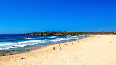 Quite Beach Side Oasis 20 minutes from Sydney CBD