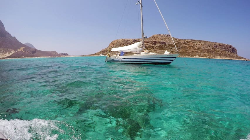 Sail-and-Dive in the Cyclades south to Crete - Ermoupoli