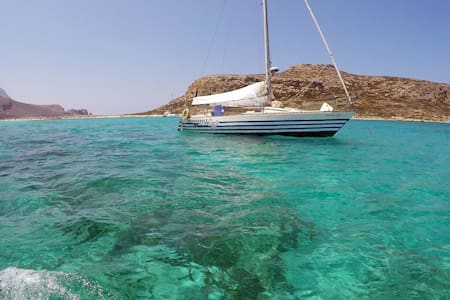 Sail-and-Dive in the Cyclades south to Crete - Ermoupoli - Boat