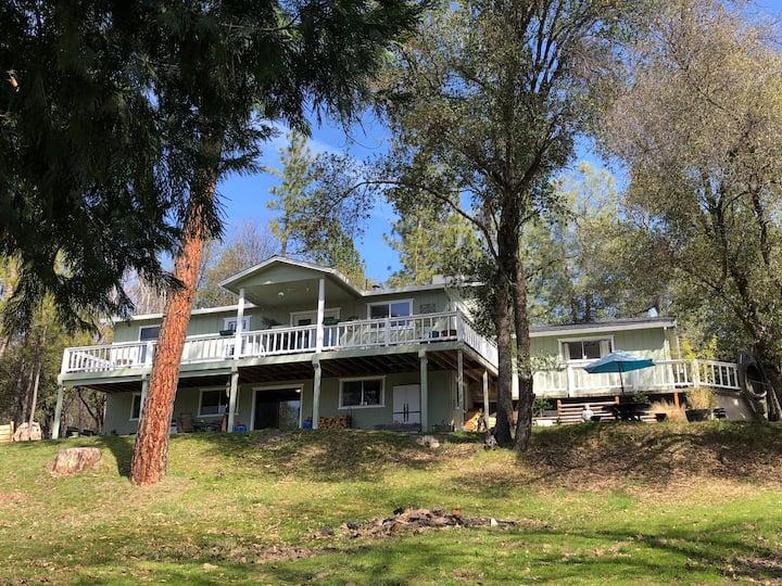 Modern Mountain Home Retreat