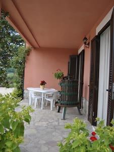 4 Appartamento di campagna con giardino e piscina - Spoleto - Apartment