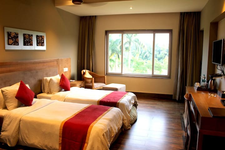 Live the Moment-Suite Room-Country Roads - Howrah - Natuur/eco-lodge