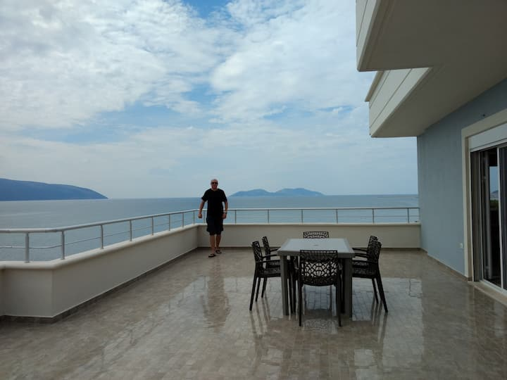 Comfortable beach flat with fantastic view terrace