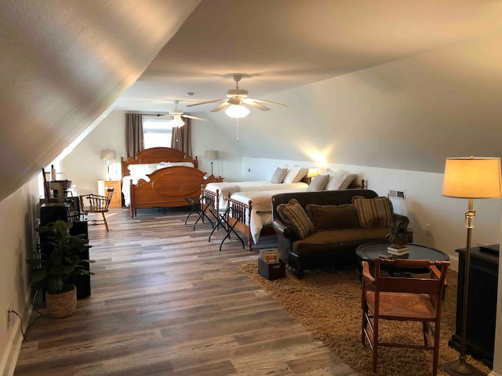 Peaceful suite near Tennis/Berry/Airport/Hospitals