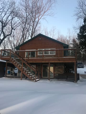 Beautiful Lake home 25 mins from the Super Bowl!