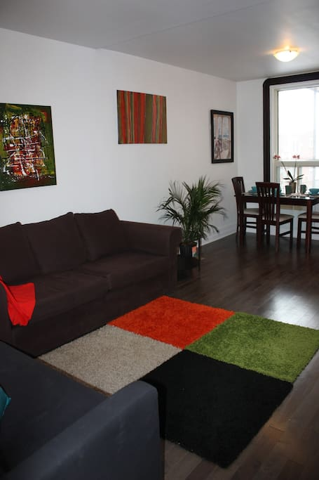 open living and dinig rooms