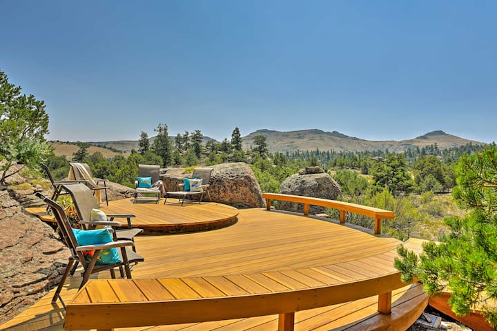 Del Norte Home on 50 Private Acres w/ 2-Level Deck