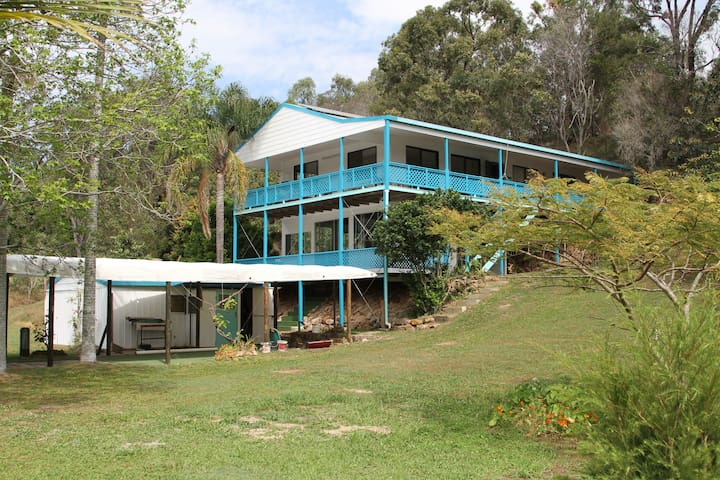 The Butterfly Lodge- Sandy Beach, Russell Island.