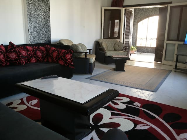 Furnished apt in  Zayed city - Sheikh Zayed City - Apartamento
