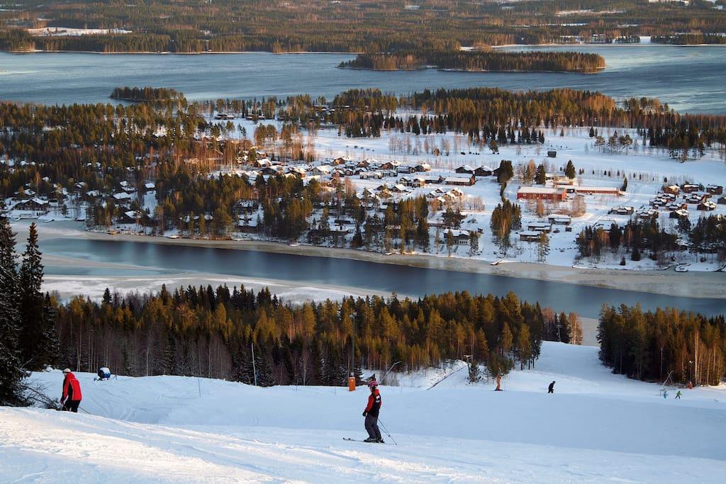 Tahko Ski Resort slopes are right outside your window.