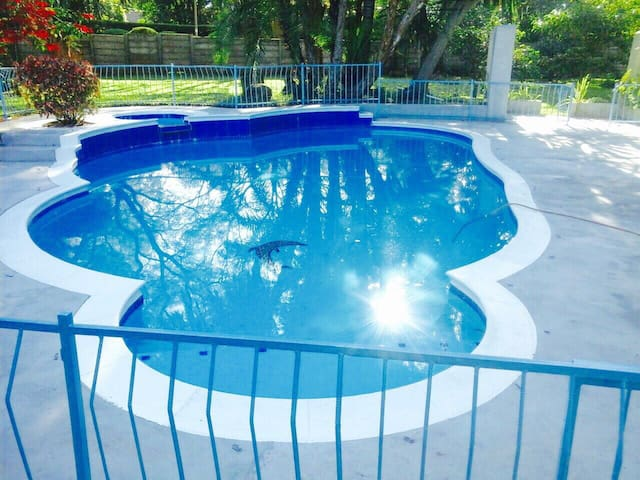 P&S ANDREWS Self-contained Poolside Cottage                       (5 Lower Hampden Road          Marlborough, Harare)(3 bedroomed house)
