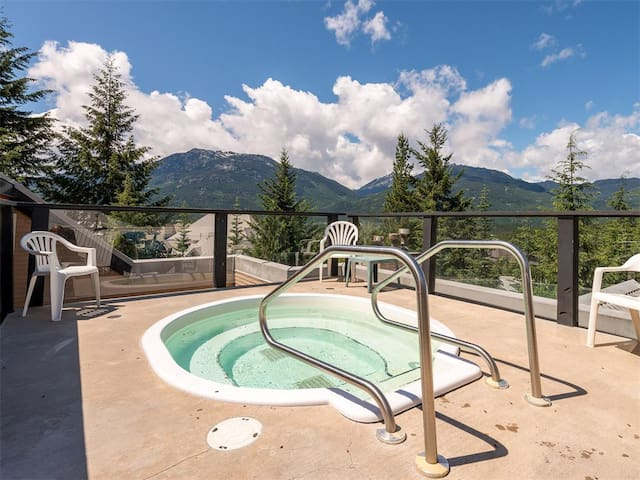 Ski in/Ski out - Steam shower - Roof top Hot tub