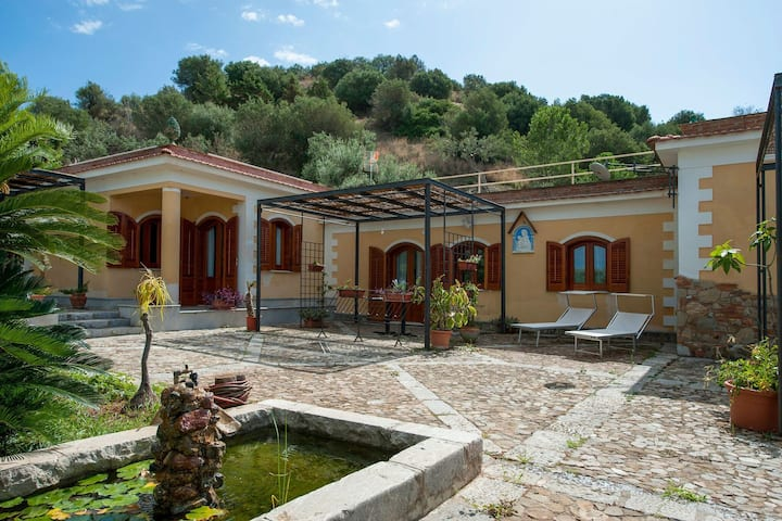 Alluring Holiday Home in Termini Imerese with Garden