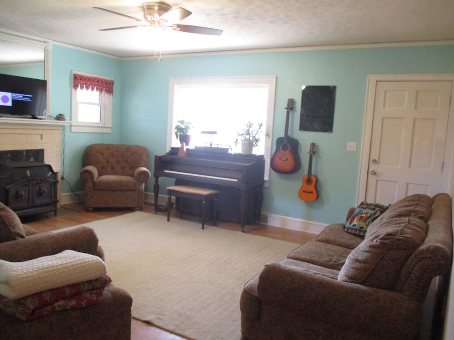 Living Room - feel free to use any instruments!