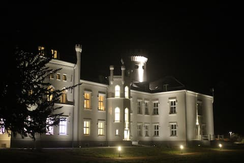 Schloss Apartment Parkblick 6