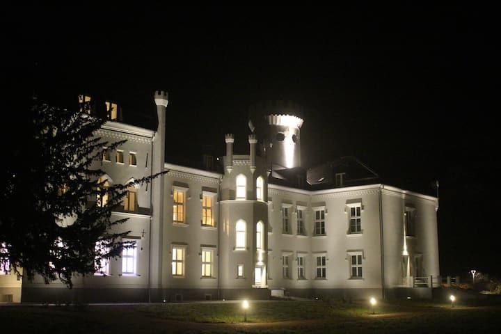 Schloss Apartment Parkblick 6