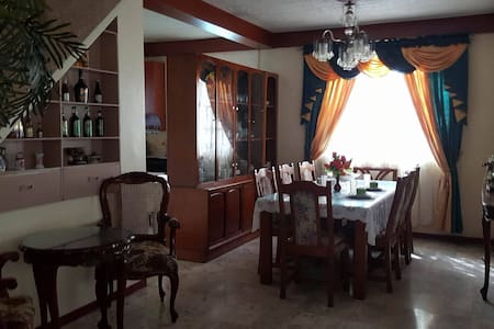 Homely, spacious, & fully furnished 4bedroom house - Manila