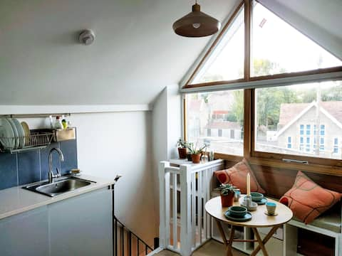 The Shop on the Bridge - quirky micro house
