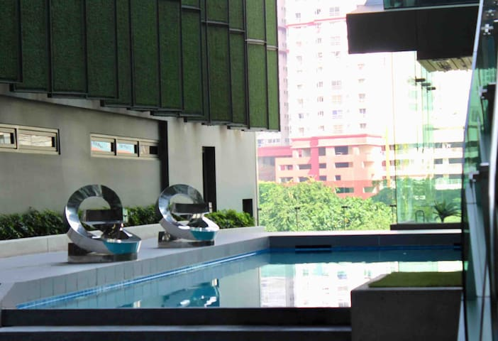 NEW! 1BR BEST LOCATION NEAR TOURIST ATTRACTIONS