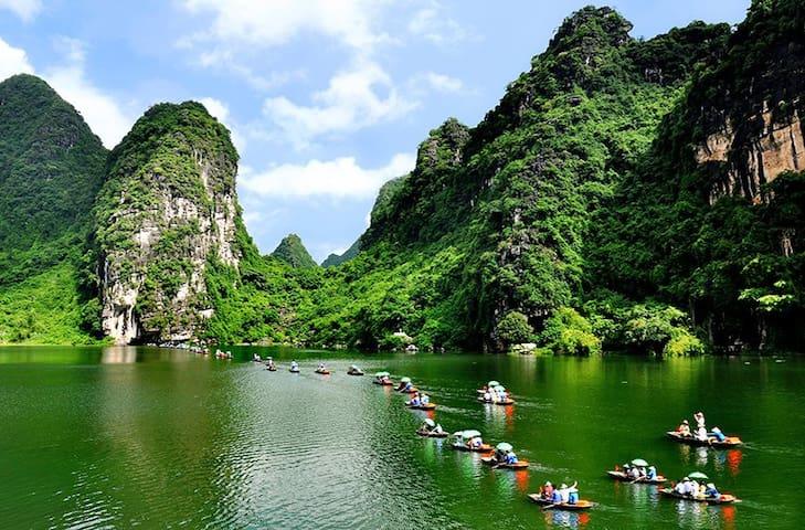 Ninh Binh Trang An tour
