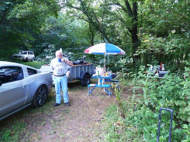 Shaggy Bark Camping04