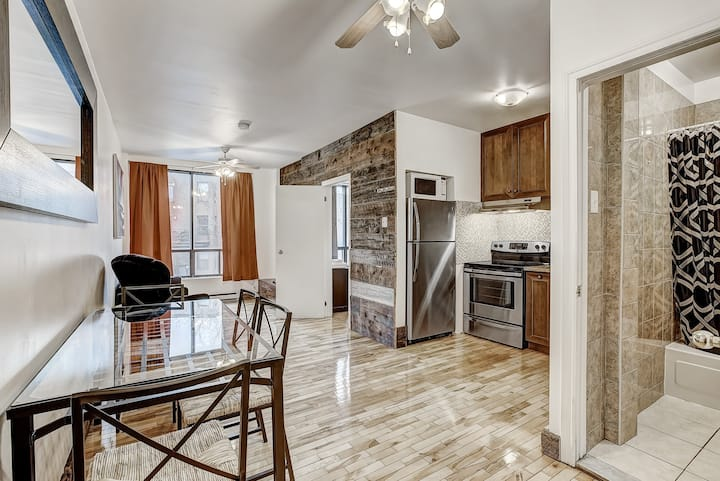 DS - Modern 1BR - Downtown Montreal #104 🌈  Monthly Rental Available