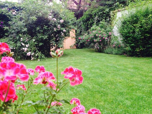 Appart BXL Rez de chaussée arrière, grand jardin. - Etterbeek