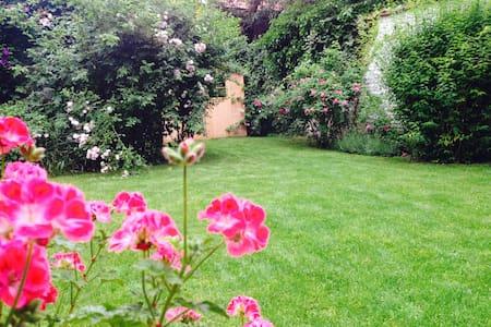 Appart BXL Rez de chaussée arrière, grand jardin. - Etterbeek - Leilighet
