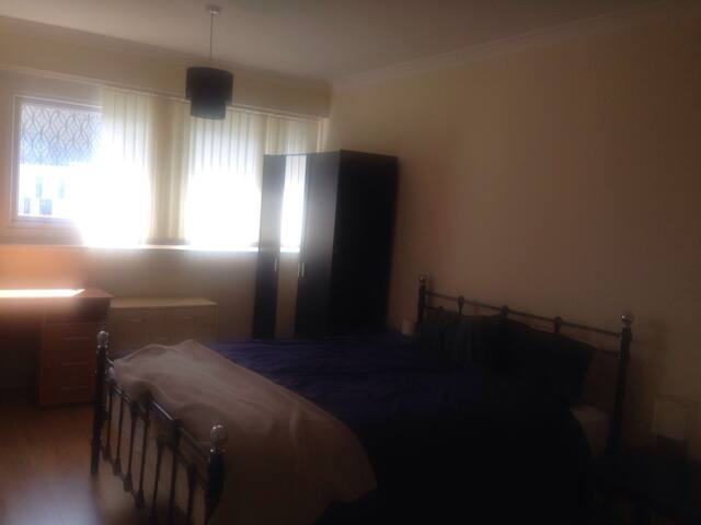 Large double room in city centre - Birmingham - Apartment
