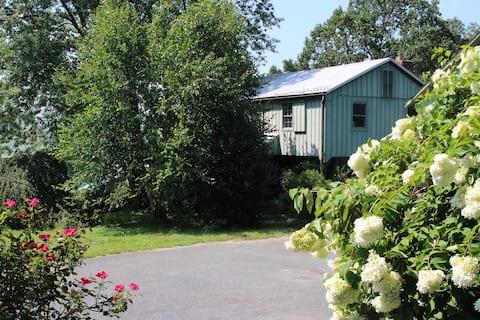 Charming Cottage Farm Loft