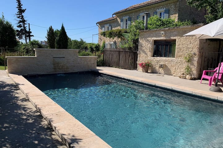 Luxurious Villa in Carpentras with Private Pool