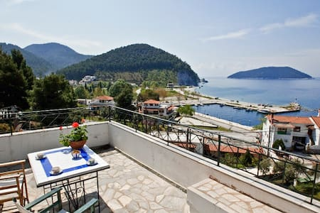 Dia Holiday Maisonette with a Seaview in Skopelos