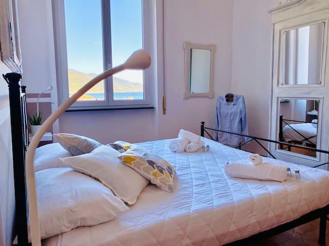 Camera Matrimoniale con vista