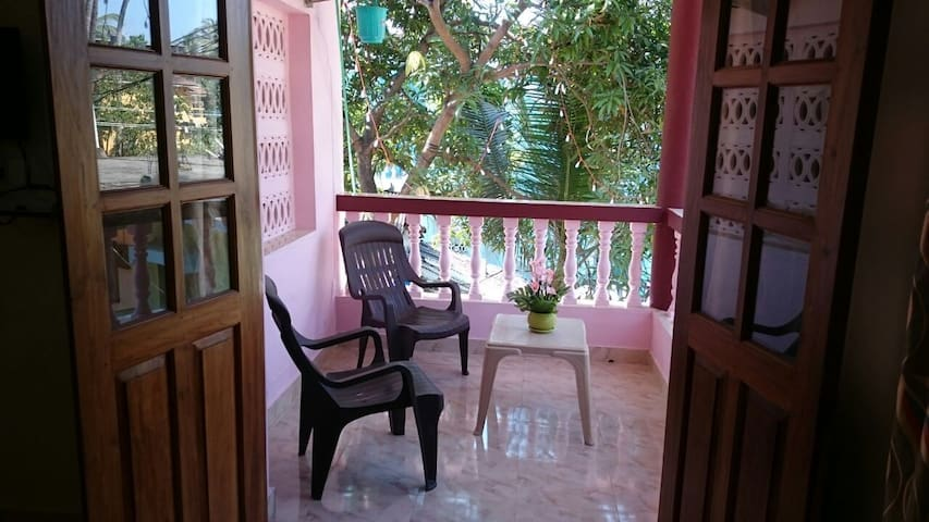 Well equipped private room near Calangute beach - Goa del nord