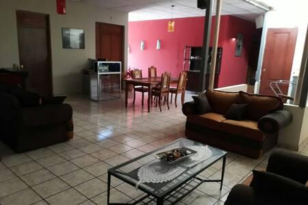 Hotel los Héroes Cojutepeque