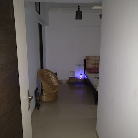 Spacious Single Room - Mumbai - Apartmen