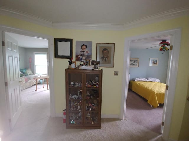 Spacious Two Room Apartment Near Dulles Airport