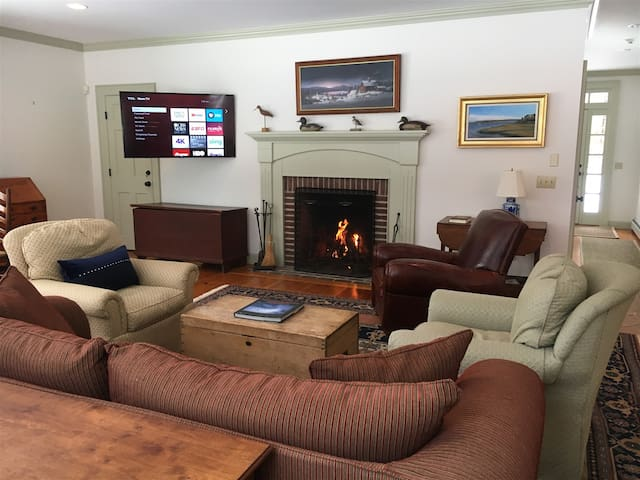 4 BR Home 2 Minutes From Stowe Mountain Resort