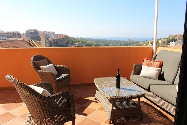 Attico duplex con vista sul mare Elviria Marbella